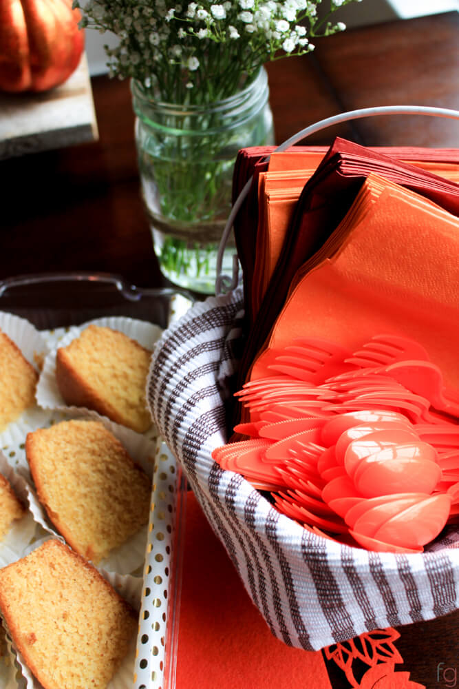 frugal-fall-party-decor