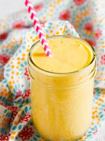 Vanilla Mango Smoothie Healthy - Mango Vanilla Smoothie - Smoothie Recipes Healthy - Smoothie Recipes Fruit - Breakfast Smoothies Recipes Easy