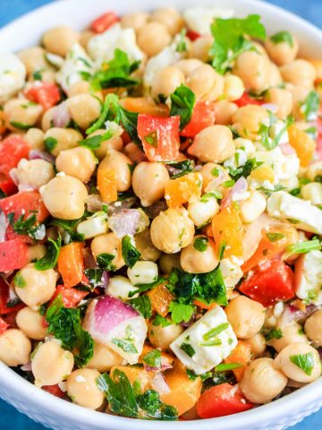 Mediterranean Chickpea Salad Recipes for Parties - Chickpea Recipes - Chick Pea Salad Recipes - Chick Pea Recipes - Mediterranean Salad - Mediterranean Recipes Vegetarian Recipes Easy - Rainbow Salad Recipe