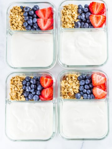 Make Ahead Breakfast Parfait Meal Prep - Knock out your breakfasts in just five minutes with this easy parfait breakfast meal prep that's healthy, easy and quick. #breakfast #mealprep #parfait #makeahead #makeaheadmeals #breakfastmealprep