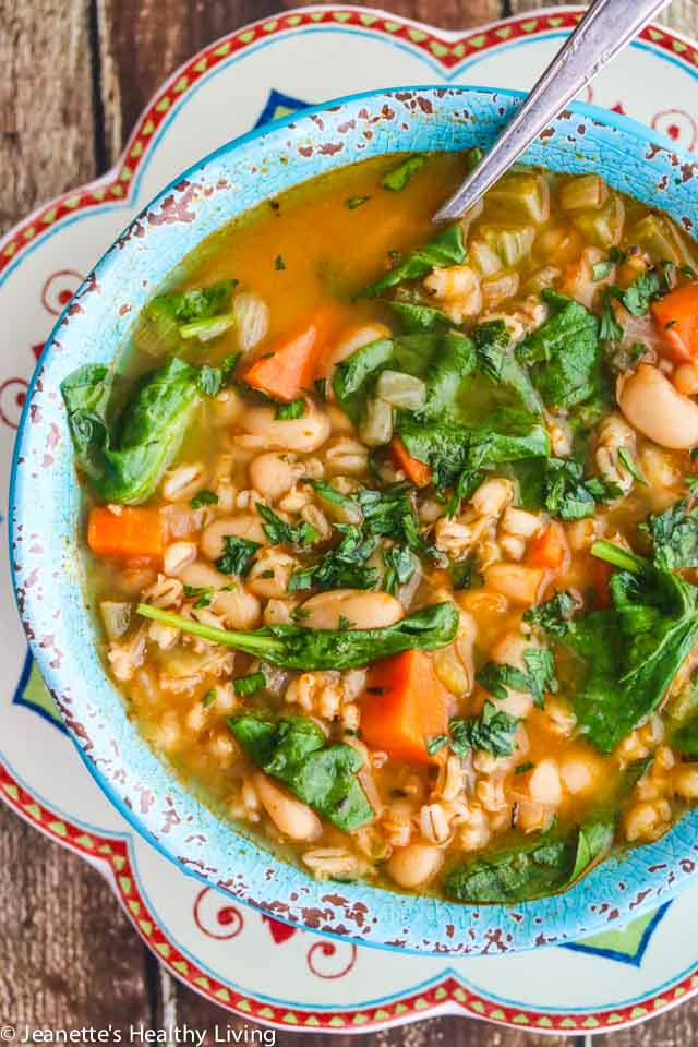 20 Easy Soup Recipes - This list of easy fall soups and stews is full of vegetarian recipes, fall dinner ideas and winter soup recipes to get you through the colder months.