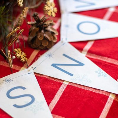 Start Decorating for the Holidays Now! Free Printable Holiday Bunting Banner (ALL LETTERS!)