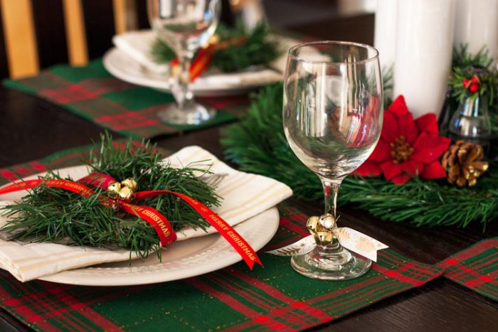 Simple plaid placemats and decor make a beautiful tablescape