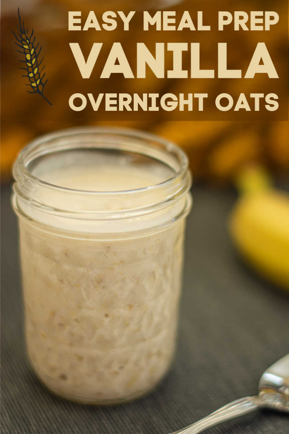 I can't believe how easy this meal prep breakfast is to make - and how delicious it is. Vanilla Overnight Oats for the win for these make ahead breakfasts! #vanilla #overnightoats #mealprep #makeahead #breakfast