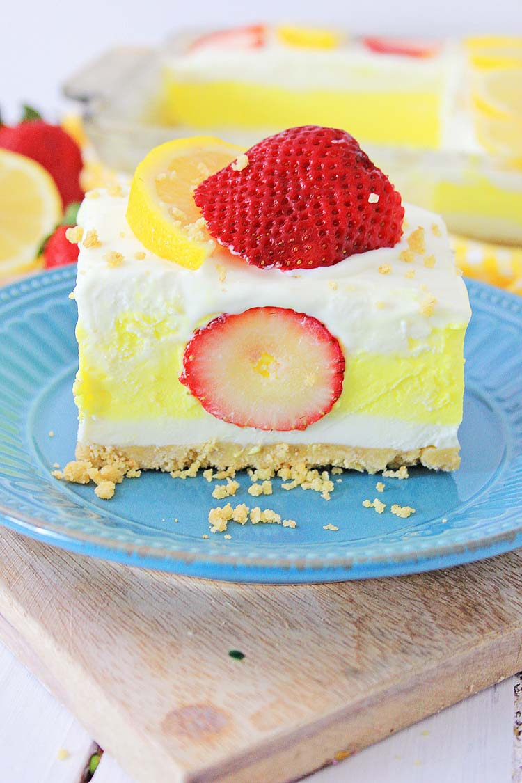 slice of the strawberry and lemon bar on a plate